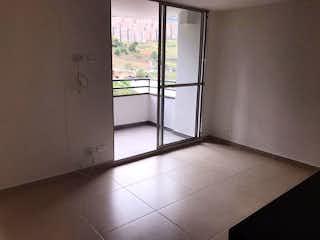 Un refrigerador congelador blanco sentado dentro de una cocina en Apartamento en venta en Madera, de 65mtrs2