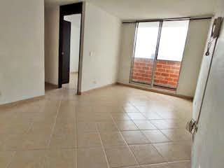 Un cuarto de baño con un inodoro y una ducha en Apartamento en venta en Miraflores, de 57mtrs2