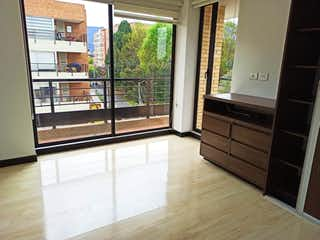 Una vista de una cocina desde el pasillo en Apartaestudio  en venta Ubicado en Nueva Autopista