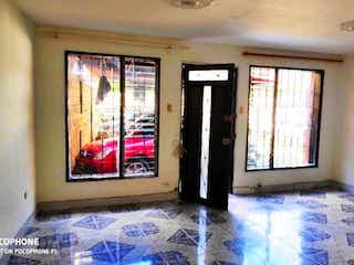 Una imagen de una habitación con una ventana en Apartamento en Venta en Calasanz