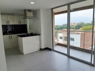 Una gran cocina con un gran ventanal en Apartamento en Venta LAURELES