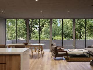 Una sala de estar llena de muebles y una gran ventana en Monte Casino 30