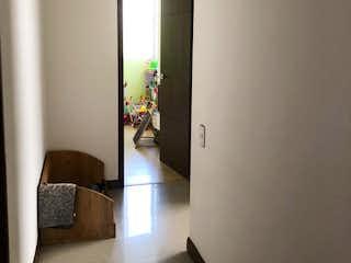 Una vista de una sala de estar y comedor en VENTA APARTAMENTO LOMA DEL INDIO