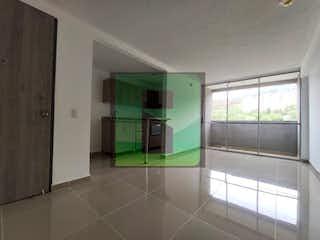 Un cuarto de baño con ducha y una ventana en Apartamento en venta en Hospital Mental de 3 hab. con Gimnasio...