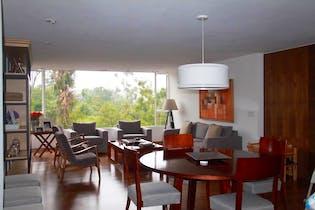 Departamento en venta en Lomas Altas,  210 m² con jardín