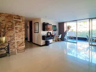 Una vista de una sala de estar y una sala de estar en Apartamento en venta, sector Loma del Esmeraldal - la Intermedia