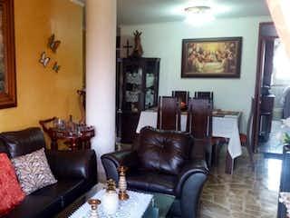 Una sala de estar llena de muebles y una pintura en Apartamento en venta en Aeropuerto con acceso a Piscina