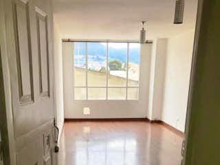 Una puerta de baño está abierta a una casa en VENDO LINDO APTO EN VERAGUAS CENTRAL