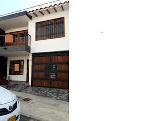 Una imagen de un edificio con una ventana en Casa en venta en El Porvenir de 84m² con Balcón...