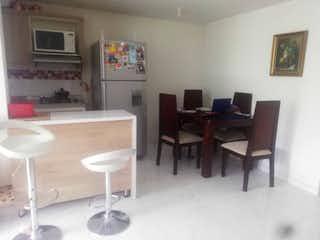 Una habitación con una mesa y una mesa en APARTAMENTO EN VENTA NIQUIA