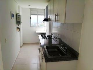 Una cocina con fregadero y nevera en Apartamento en venta en San José, de 54mtrs2