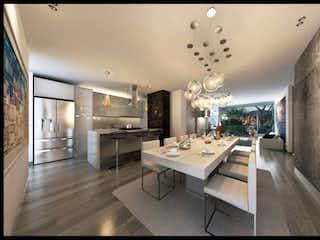 Una cocina con una mesa y una lámpara de araña en Apartamento en venta en Belén Centro de 108m² con Balcón...