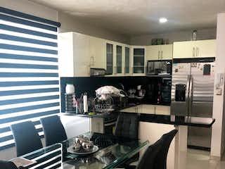 Una cocina con una estufa, un fregadero y una estufa en venta-Moctezuma I seccion - Venustiano carranza