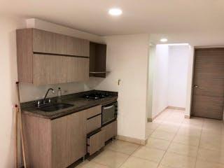 Una cocina con fregadero y nevera en Apartamento en venta en Fátima de 2 hab.