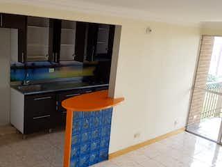 Una cocina con una estufa de fregadero y nevera en Apartamento en Venta en Belen Loma de Los Bernal