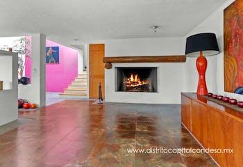 Casa en venta en Santa Fe Cuajimalpa, 383 m² estilo mexicano