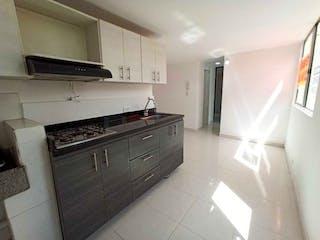 Una cocina con una estufa, un fregadero y un refrigerador en SE VENDE APARTAMENTO EN SAN JAVIER