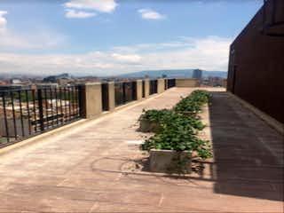 Una vista de un edificio y un puente en Apartamento en venta en El Virrey de 3 hab. con Zonas húmedas...