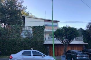 Casa en venta en Lomas de Chapultepec, 556 m² con jardín
