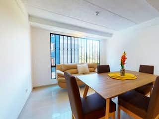 Una sala de estar llena de muebles y una mesa en Apartamento en Venta en Garcés Navas, Engativá.