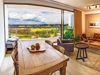 Una sala de estar llena de muebles y una gran ventana en VENDO APARTAMENTO NUEVO EN CANTO SAN ANTONIO DE PEREIRA