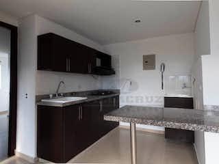 Una cocina con lavabo y microondas en ED. FARO DEL VELODROMO
