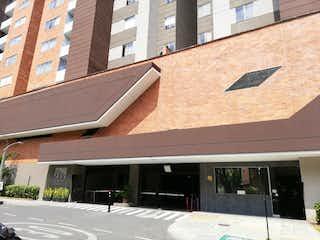 Un edificio con un reloj en el costado en Apartamento en Venta HOLANDA