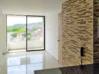 Una sala de estar con un sofá y una alfombra en Apartamento en venta en Cabañitas, de 78mtrs2
