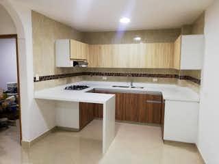 Un cuarto de baño con lavabo y bañera en Apartamento en venta en Cabañitas, de 110mtrs2