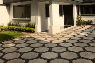 Casa en venta en Progreso Tizapan, 400 m² con jardín