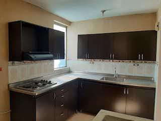 Una cocina con lavabo y microondas en Apartamento en venta en La Candelaria de 136m² con Balcón...