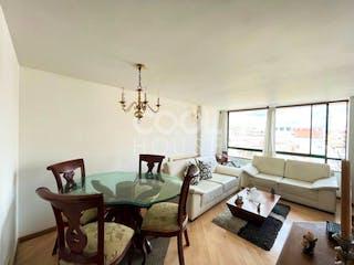 Una sala de estar llena de muebles y una ventana en Apartamento en venta en El Batán