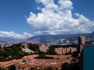 Una vista de una ciudad con una montaña en el fondo en Apartamento en venta en Rodeo Alto de 64m² con Bbq...