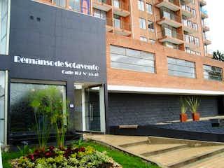Una señal que está en el lado de un edificio en VENDO APTO EN ALEJANDRA