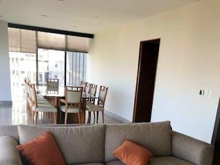 Una sala de estar llena de muebles y una ventana en Departamento en venta en Bosque de las Lomas