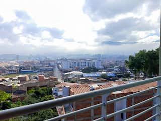 Una vista de una ciudad con un horizonte de la ciudad en el fondo en Apartamento en Venta LA CEJA