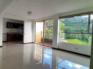 Una vista de una cocina desde el pasillo en Apartamento en Venta POBLADO