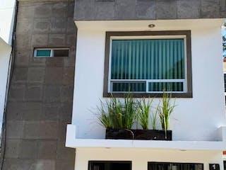 Un edificio que tiene una ventana en él en Casa en obrero Ctm  Culhuacan IX