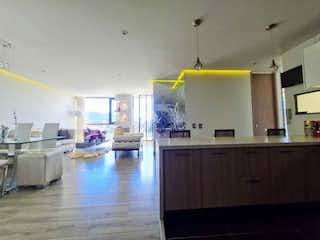 Una cocina llena de un montón de electrodomésticos blancos en APARTAMENTO VENTA SANTA MARGARITA,  BOGOTA