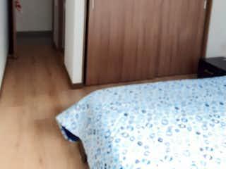 Un dormitorio con una cama y una cómoda en Venta Apto Envigado P9 C.3354529