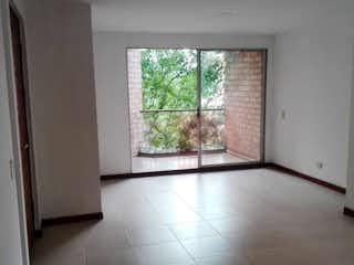 Una habitación que tiene una ventana en ella en apartamento en venta zuñiga, envigado