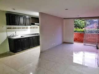 Un cuarto de baño con lavabo de bañera y espejo en Apartamento en venta en Loma de los Bernal, de 73mtrs2