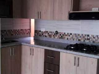 Una cocina con una estufa y un fregadero en Apartamento en venta en La Castellana, de 125mtrs2