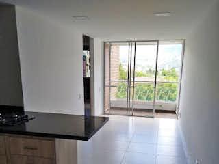 Una vista de una cocina desde el pasillo en Apartamento en venta en Salvatorianos, de 62mtrs2