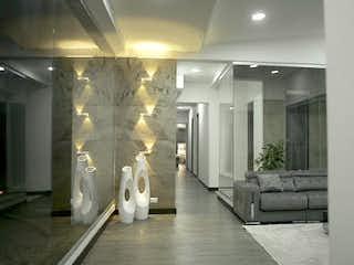 Una foto en blanco y negro de una sala de estar en Casa en venta en Norteamérica, de 2900mtrs2