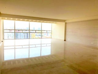 Una habitación que tiene una ventana en ella en Departamento en venta en Lomas de Santa Fe, de 357mtrs2