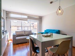 Una sala de estar llena de muebles y una gran ventana en 103842 - APARTAMENTO RECREO DE LOS FRAILES