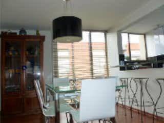 Cocina con nevera y horno de fogones en Casa en venta en Barrio San José De Bavaria de 170m² con Jardín...