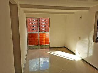 Un cuarto de baño con un inodoro y una ducha en Apartamento en venta en Los Colores, de 58mtrs2