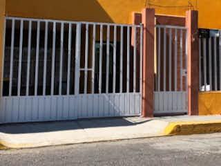Un cierre de una cerca en una calle de la ciudad en CUCHILLA DEL TESORO, CASA, VENTA, GUSTAVO A. MADERO, CDMX